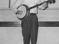 Clarks_dad_playing_his_banjo-sm.jpg